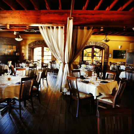 Mezza Restaurant and Bar: Main Dining Room