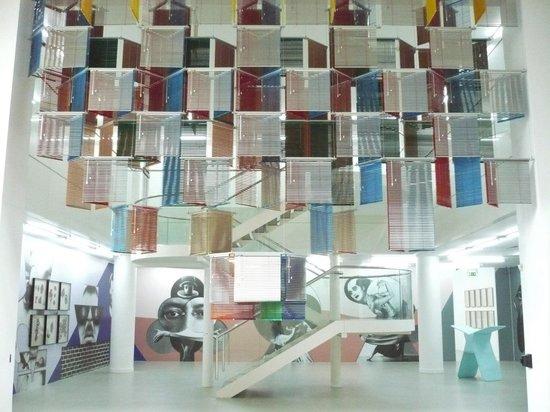 Musée d'Art moderne et contemporain : Haegue Yang collection
