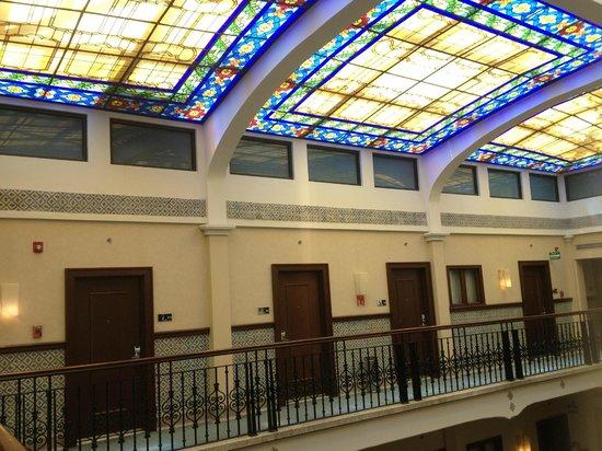 Hampton Inn & Suites Mexico City - Centro Historico: Vitrales del interior