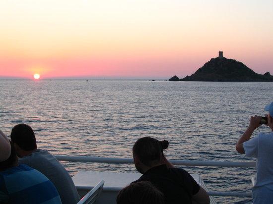 SARL Decouvertes Naturelles: Coucher de soleil vu du bateau