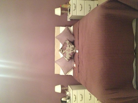 Coundon Lodge Guest House : Our room!