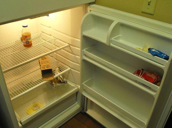 Extended Stay America - Nashville - Vanderbilt : the fridge