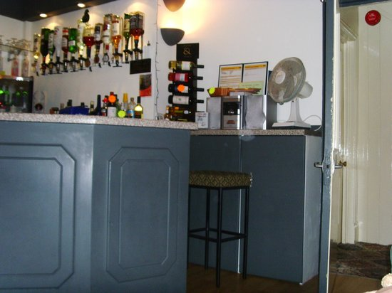 Earlston House: Bar
