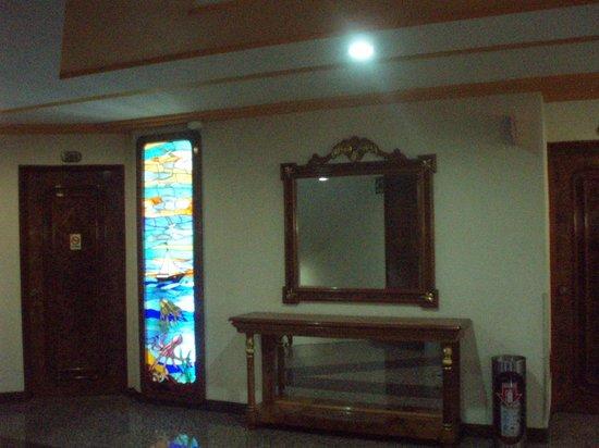 Hotel Faja de Oro: Pasillo