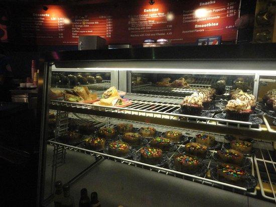 DisneyQuest Indoor Interactive Theme Park : Opciones dulces y saladas