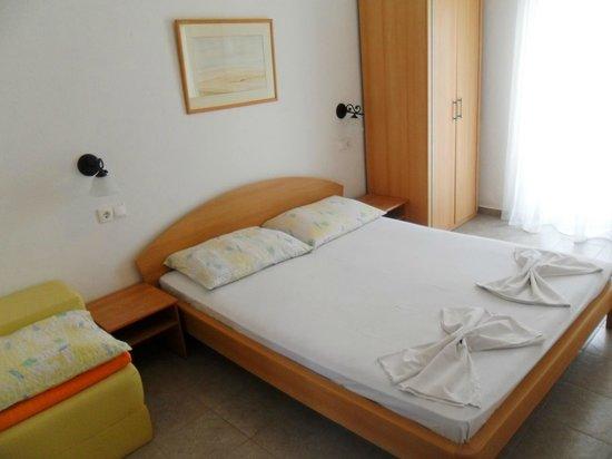 Apartments Leut: room