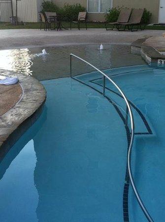 Residence Inn San Antonio Six Flags® at The RIM : chair ramp