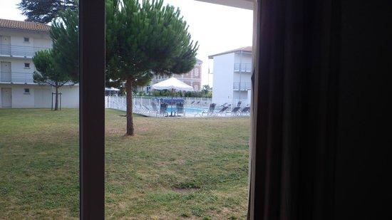 Résidence Club mmv La Rochelle Le Domaine du Château : vue piscine