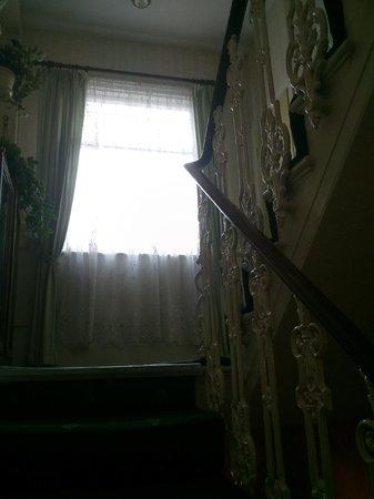 Fairways Hotel: Subiendo escaleras