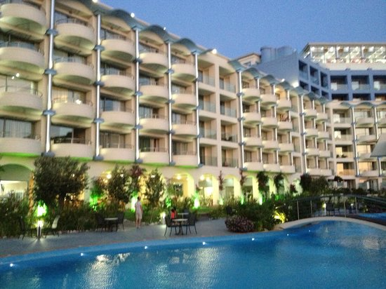 Atrium Platinum Hotel: An amazing hotel!!!