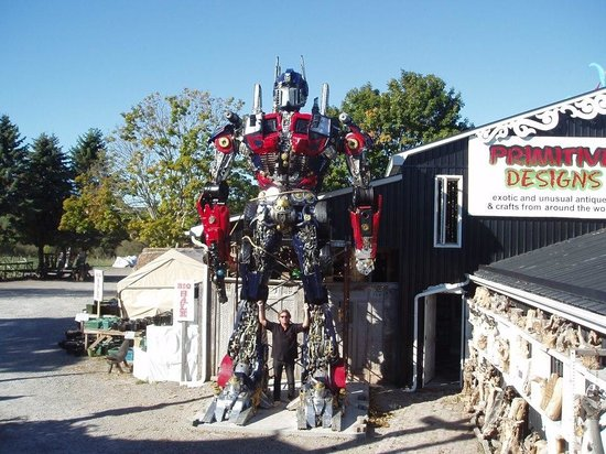 Port Hope, Canada: Home of the Big Robots - more robots inside!