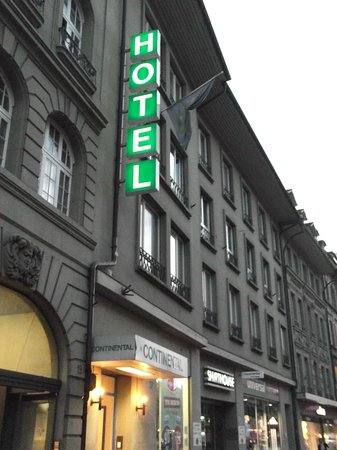 Hotel Continental Bern: In front of Hotel