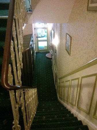 Fairways Hotel: Escaleras a calle