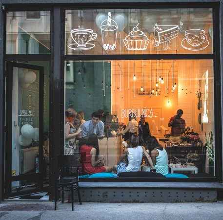Kafejnica Burbulnica, Рига - 23 фото ресторана - TripAdvisor: https://www.tripadvisor.ru/Restaurant_Review-g274967-d4736568-Reviews-Kafejnica_Burbulnica-Riga_Riga_Region.html