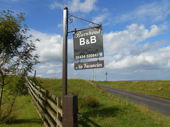 Burnhead Bed and Breakfast: The sign for Burnhead B & B