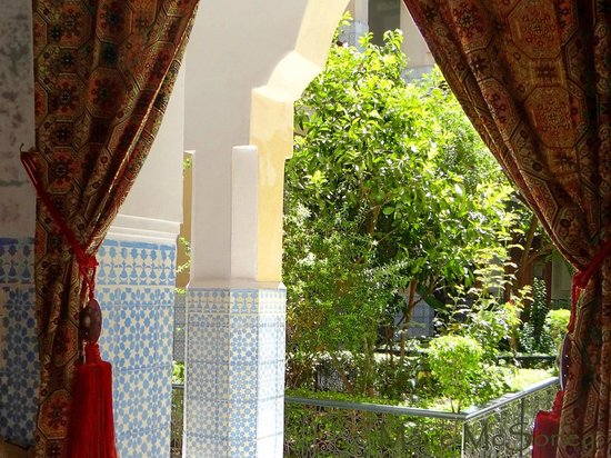 Riad Dar Sbihi: Looking out on courtyard