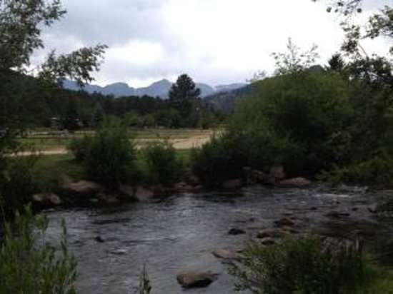Tiny Town Cabins: Big Thompson River from Cabin #4 in Tiny Town, Estes Park