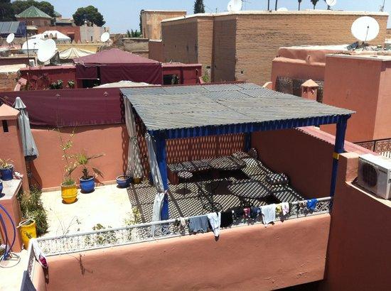 Riad Naya: zona de descanso en la azotea