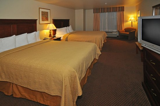 Quality Inn & Suites: Two Queen Bed Room