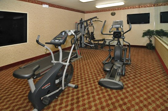 Quality Inn & Suites: Fitness Center