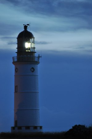 Corsewall Lighthouse Hotel : The lighthouse by night