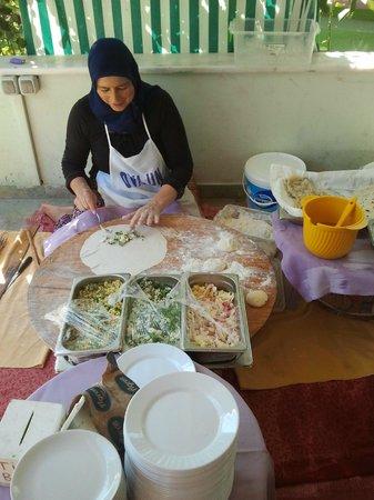 Kargicak, Turquie : turkse pannenkoeken naturel en met vulling
