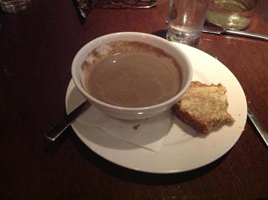 Le Bon Crubeen: Mushroom soup and Guinness bread