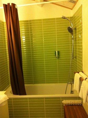 Domaine du Prieure : salle de bain