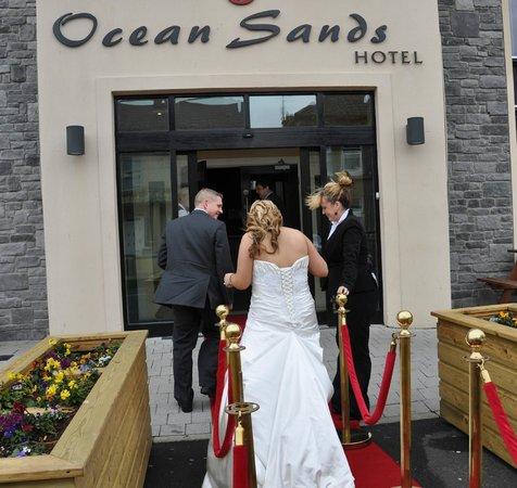 Ocean Sands Hotel: Hotel Entrance