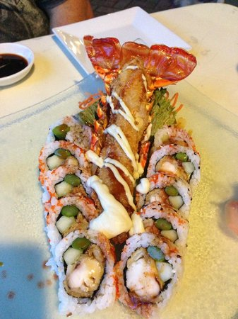 Lemongrass Asian Bistro: Lobster Roll - delicious!!!