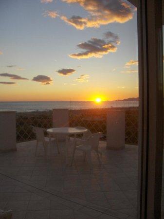 Hotel Bencista': Vista tramonto dalla terrazza