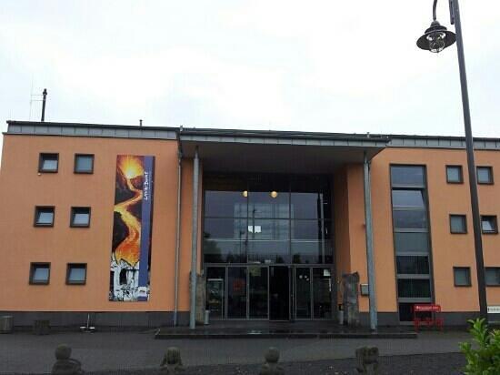 Mendig, Germany: Eingang zum Lava Dom