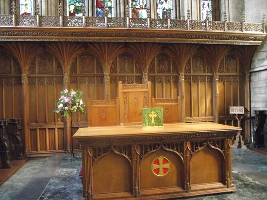 Dunblane Cathedral: Altar inside Cathedral