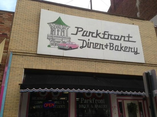 Parkfront Diner and Bakery: Exterior