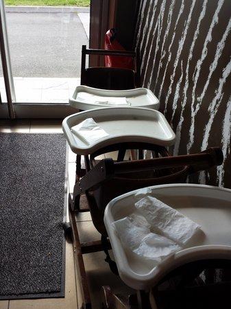 McDonald's: aucunes chaises bébé de propre