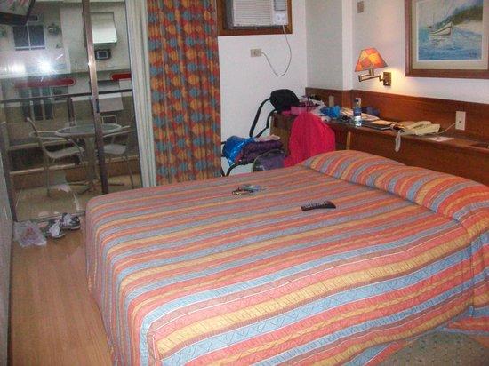 Windsor Palace Hotel: Room 705