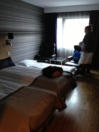 "Scandic Sjolyst: "" 3 beds ""   !!!"