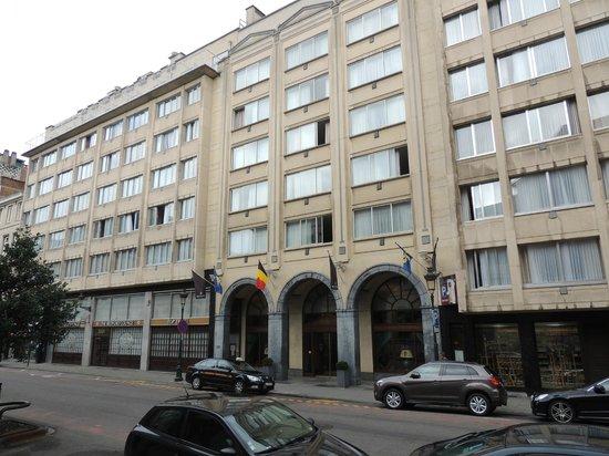 Bedford Hotel & Congress Centre: la facade de l hotel