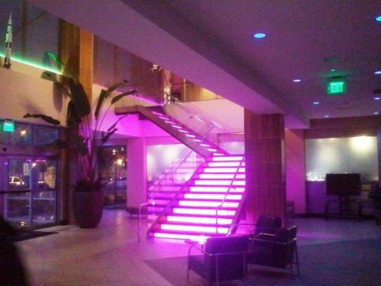 Moonrise Hotel: Foyer/reception.
