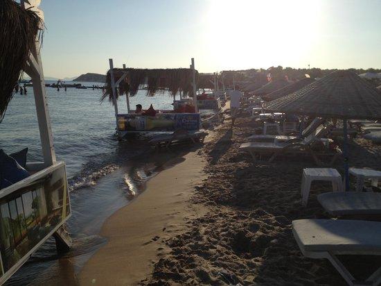 Fun Beach Club: İt's like the Maldives