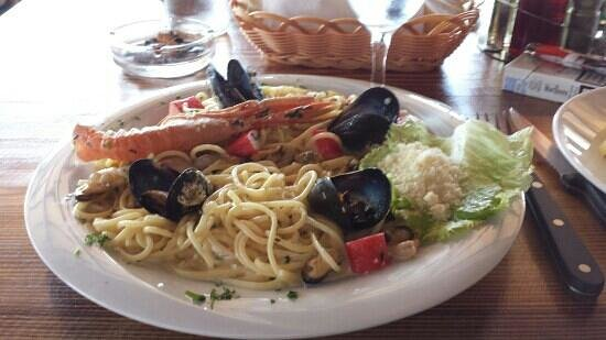 Polvljana, Kroasia: spaghetti ai frutti di mare