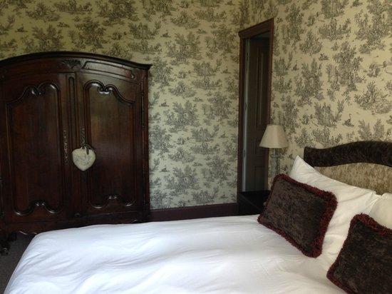 Chateau De Lalande: Room