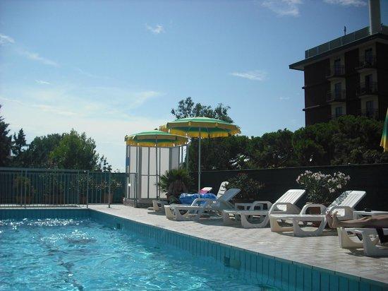 Hotel Oceanic: piscina
