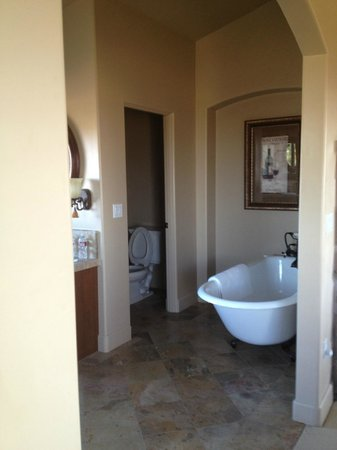 Villa Nel Mondo Bed & Breakfast: bathroom