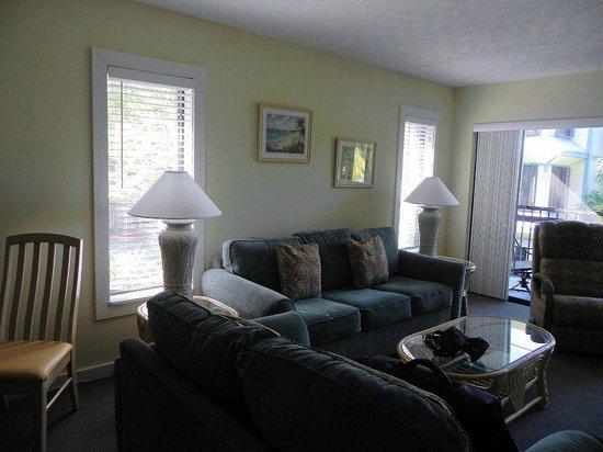 Marathon Key Beach Club: Living room