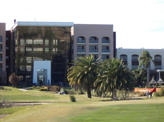 Sheraton Colonia Golf & Spa Resort: Vista desde la cancha de golf