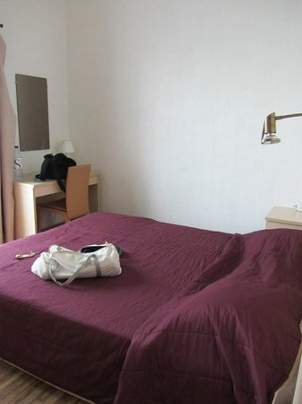 Hotel Restaurant L'Ariana : stanza