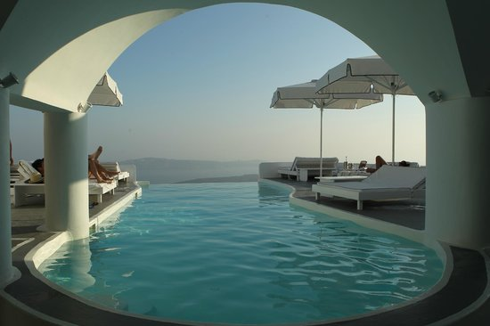 Chromata Hotel : basen bez krawędzi