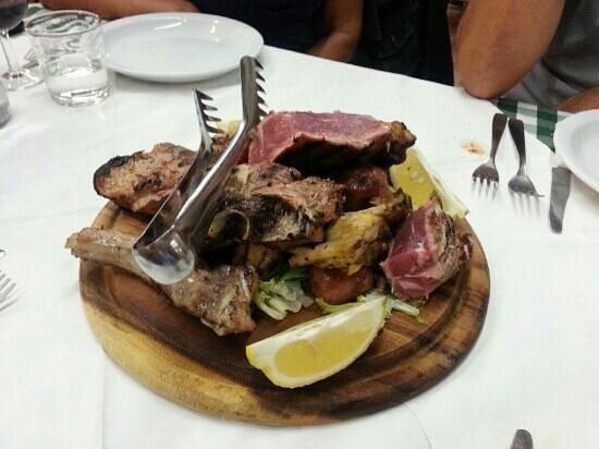 Empoli, Itália: grigliata di carne