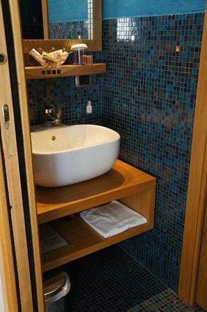 Best Western Hotel Firenze: tile bath